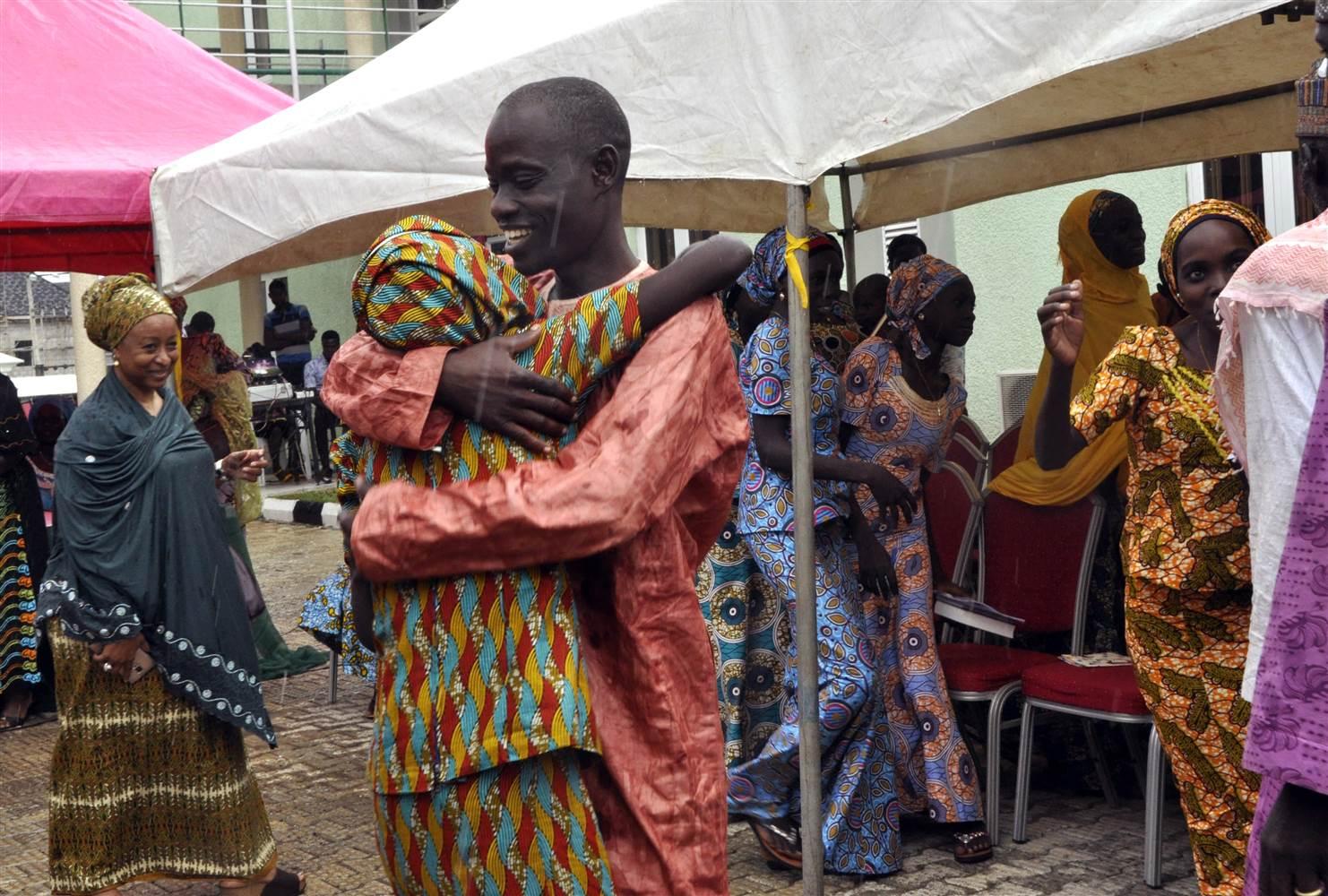 "Photo of Former ""Chibok"" Captives Reunite With Families"