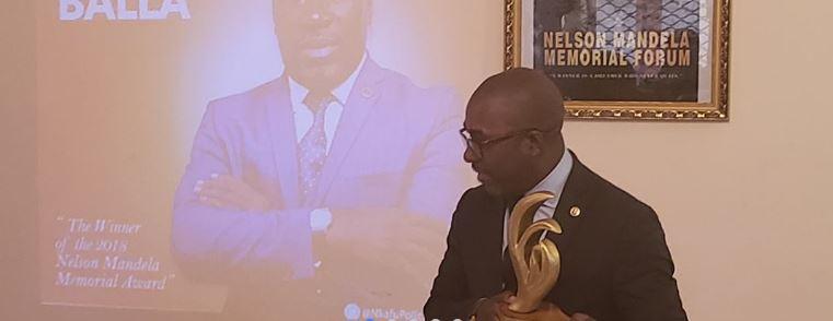 Photo of Agbor Balla Crowned Winner of Nelson Mandela Memorial Award