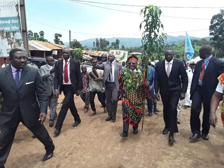 Photo of Prime Minister Dion Ngute Continues His Dialogue Mission In Bamenda, Says Secession Not On Agenda