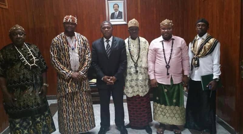 Photo of Of the Limbe Chiefs, Ni John Fru Ndi And The Symbolic Key To Limbe: The Igwe Must Hear This.