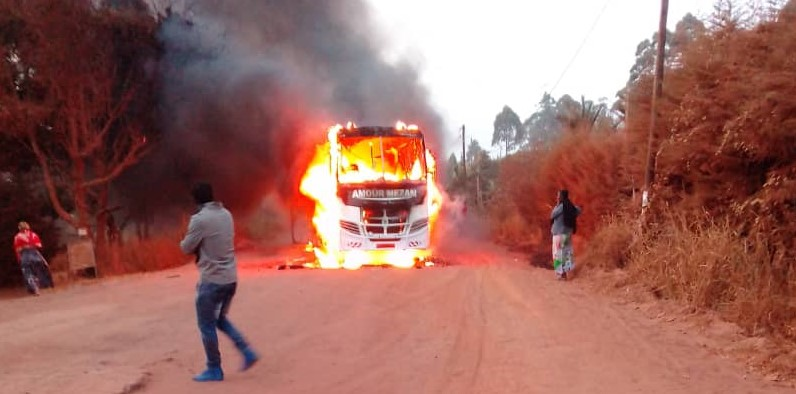 Photo of Amour Mezam Bus Set On Fire In Santa