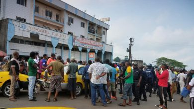 Photo of Buea Taxi Drivers Block Road As Police Slap Colleague