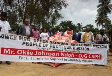 Photo of Nguti Elites Donate Relief Material To Victims Of Upper Mbo Landslide