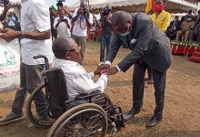 Photo of Douala City Mayor Fetes End-of-Year With IDPs, Underprivilege